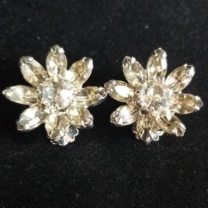 Vintage WEISS Rhinestone Flower Clip On Earrings